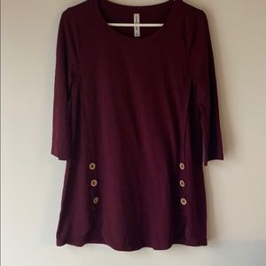 Burgundy 3/4 sleeve top with button details